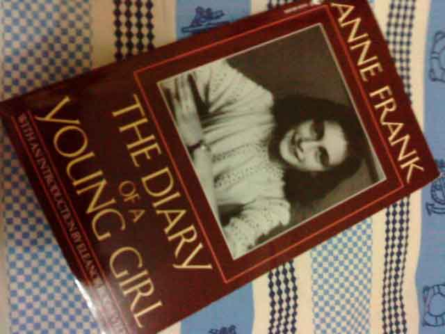 buku anne frank Diary Of A Young Girl