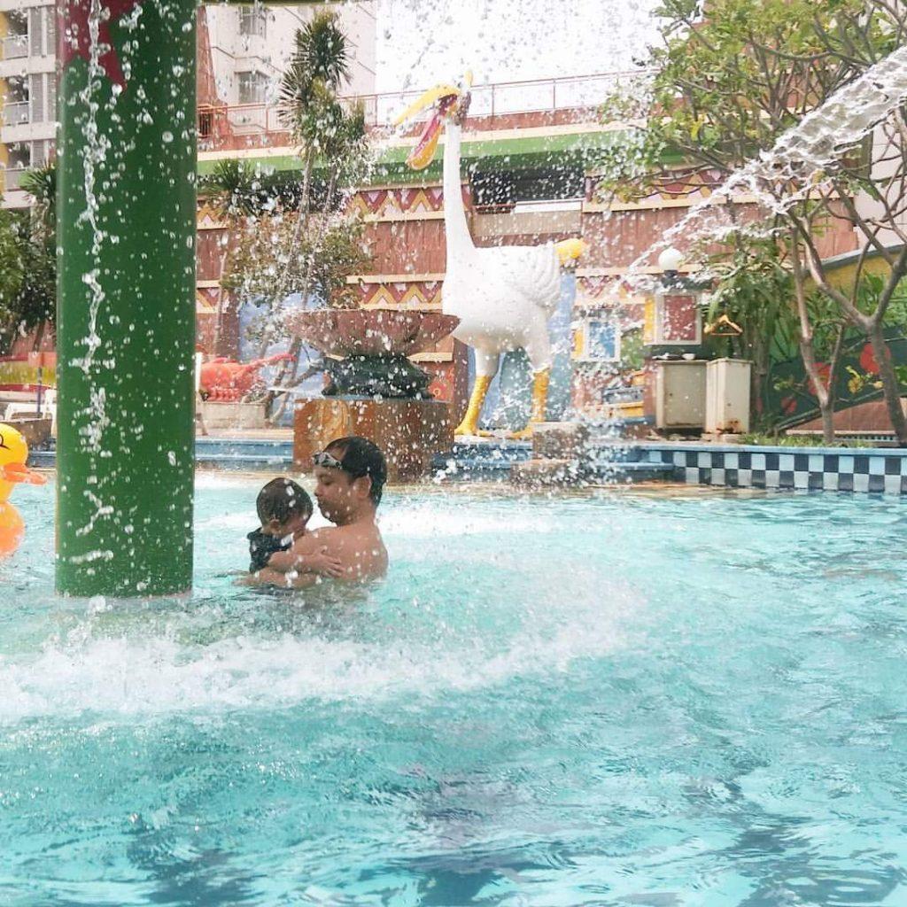 berenang di waterpark jakarta